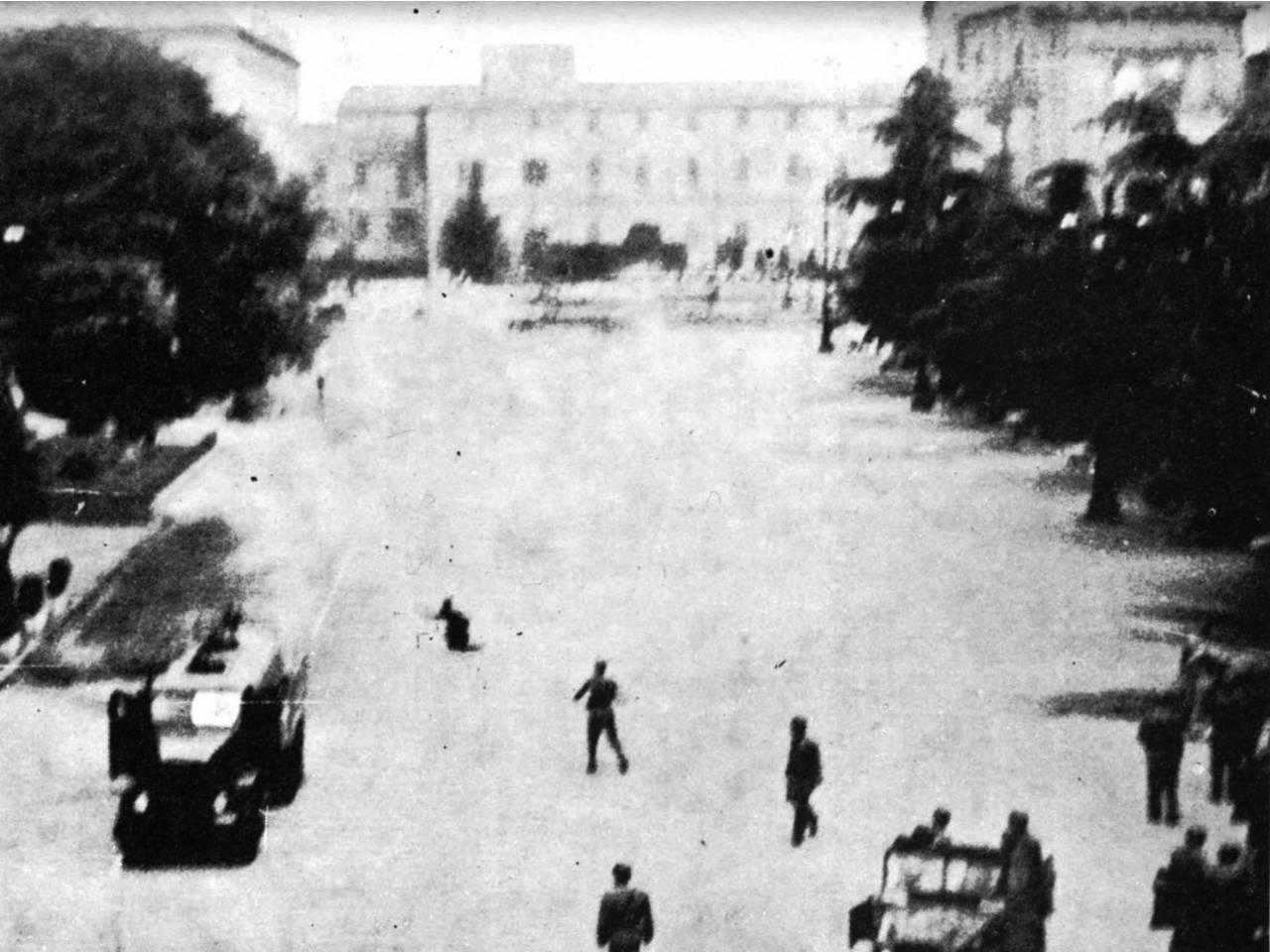 7 luglio 60 spari piazza