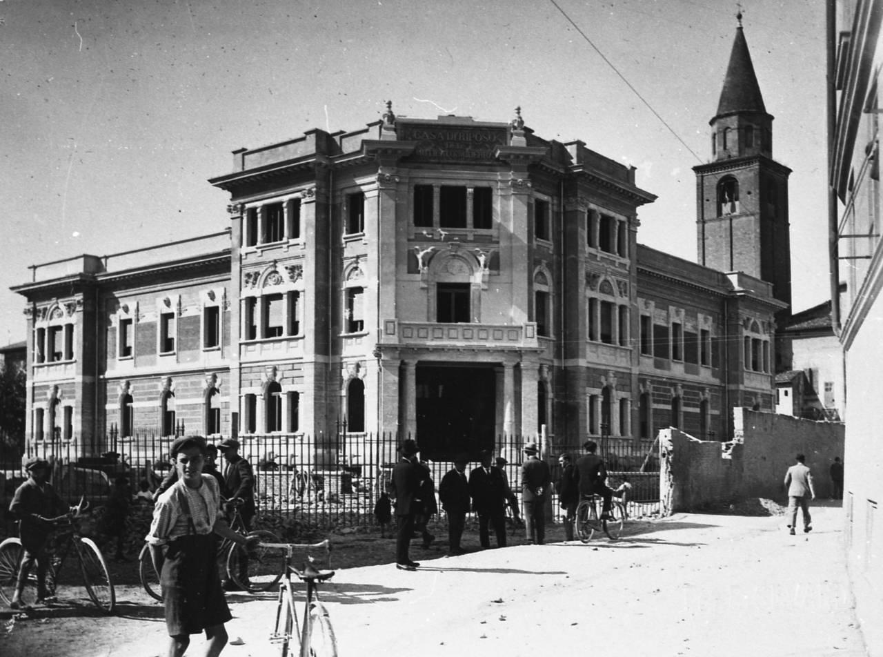 casa del mutilato di Reggio - esterni