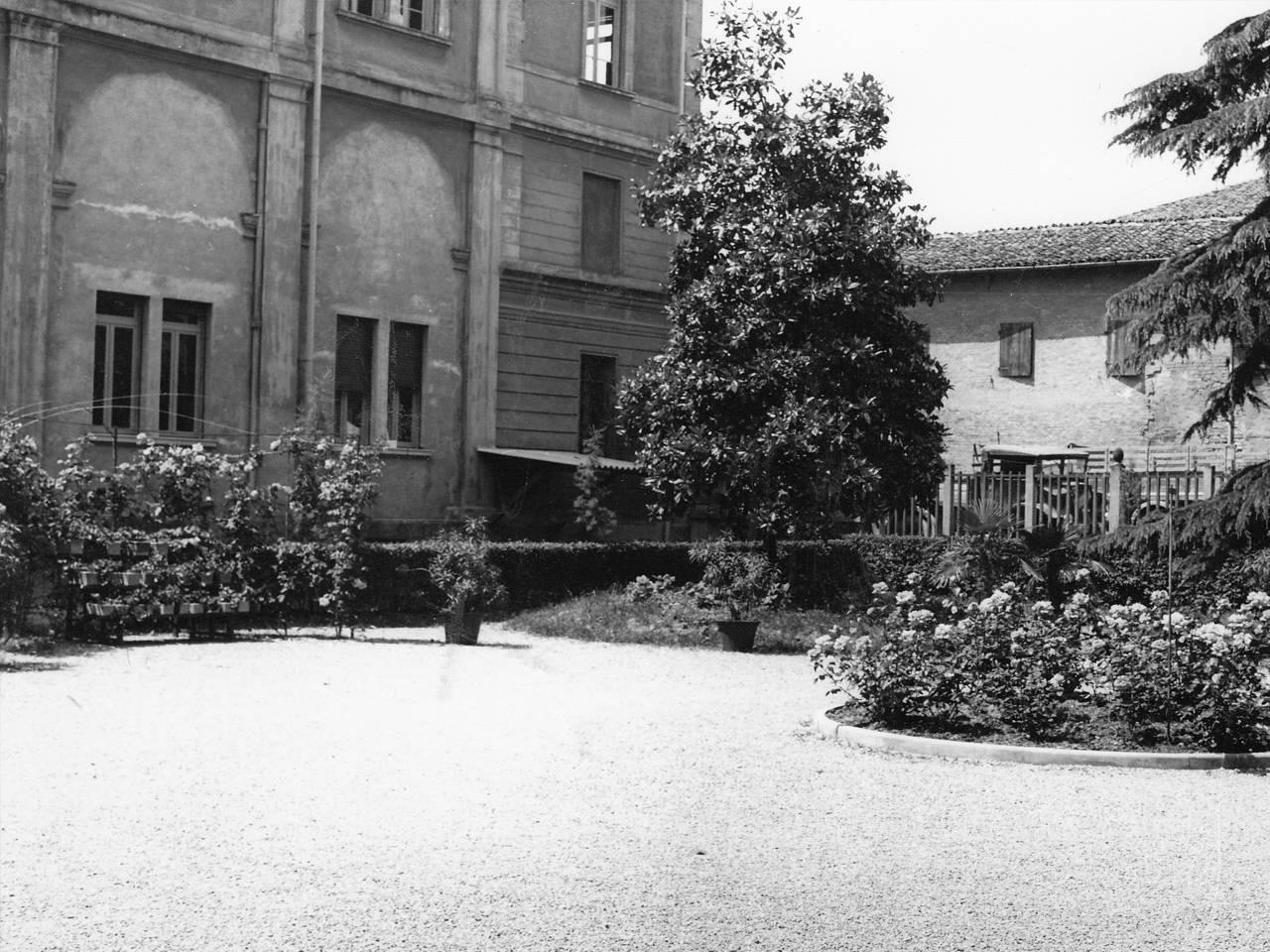 OSTRUZIONE E DETTAGLI CASA DEL MUTILATO FOTOTECA BIBLIOTECA PANIZZI, FOTO ARS - REGGIO EMILIA 1927 CA.
