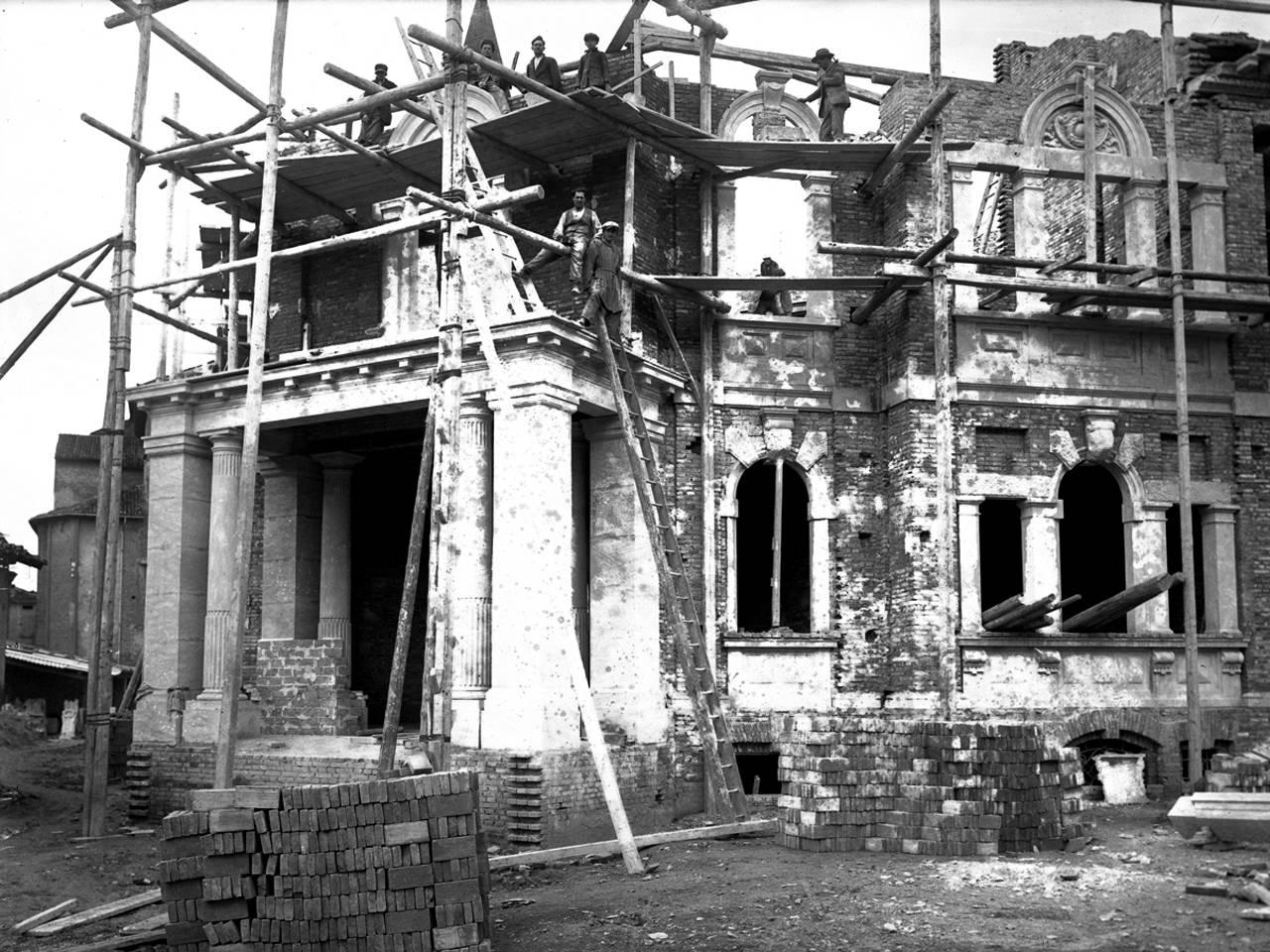 casa mutilato in costruzione