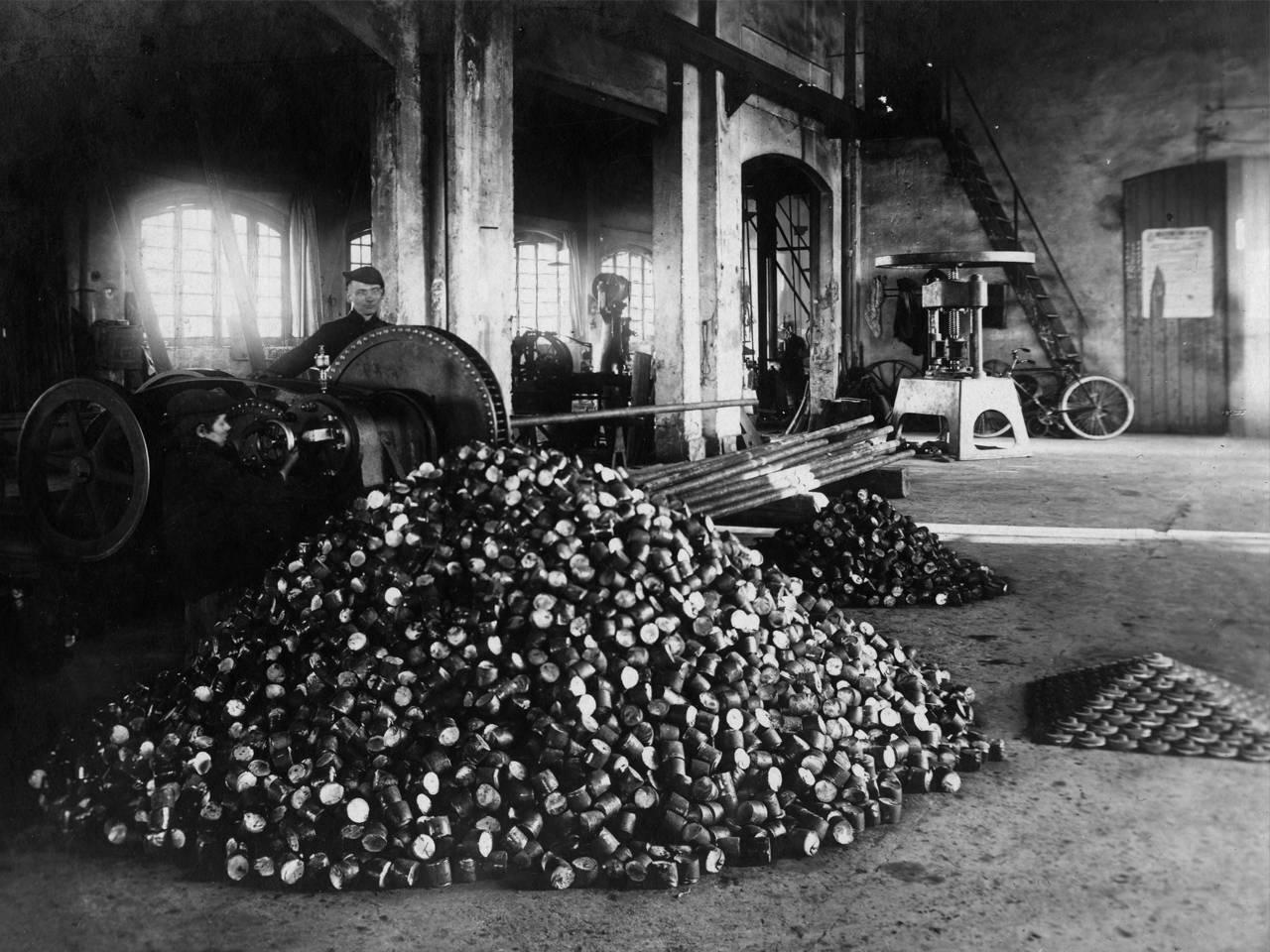 forniture di guerra: fabbricazione proiettili, officine meccaniche e officine gardenia