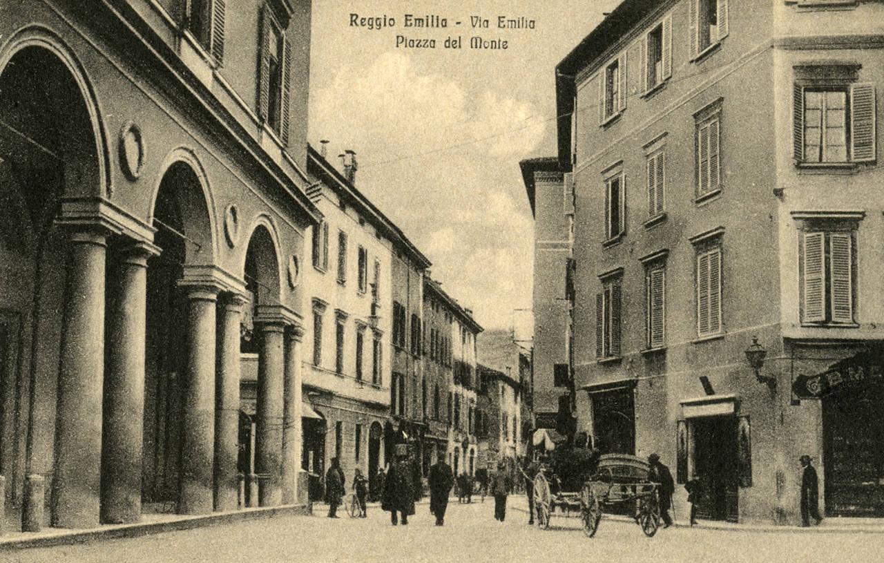 PIAZZA DEL MONTE FOTOTECA BIBLIOTECA PANIZZI, cartolina - REGGIO EMILIA 1910 ca.