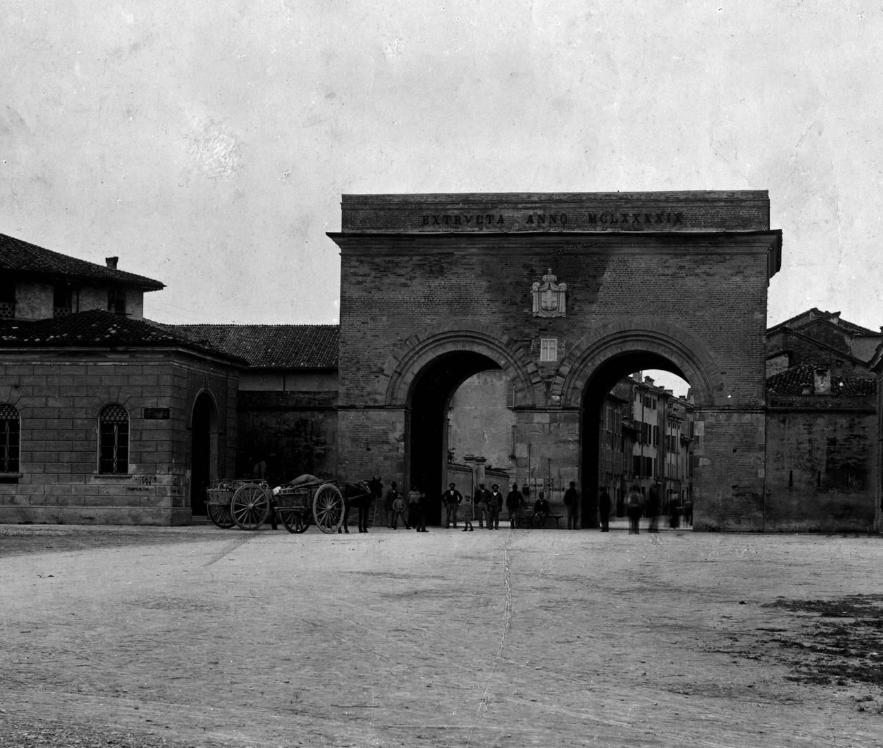 porta santa croce a Reggio Emilia
