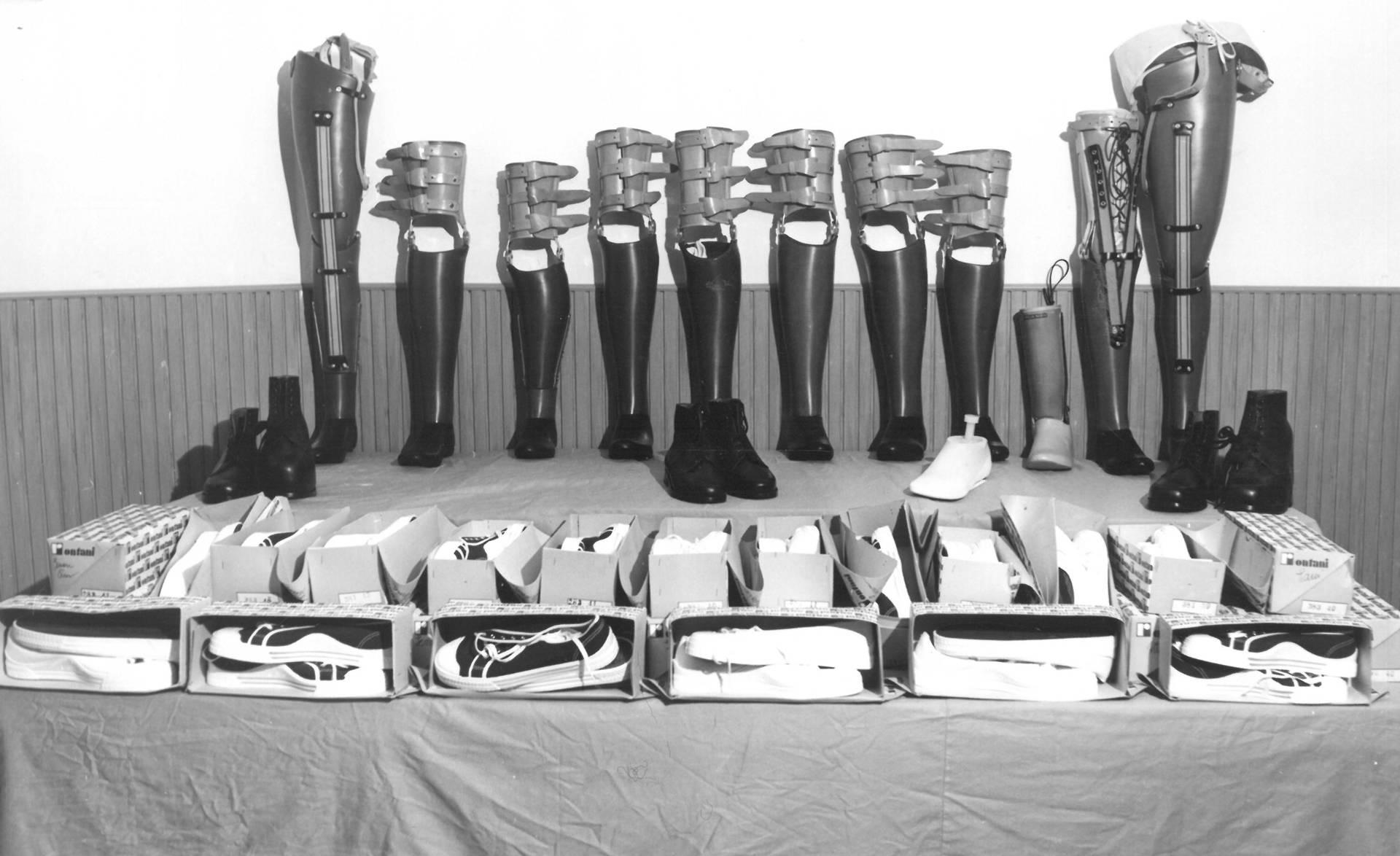 protesi e scarpini in partenza