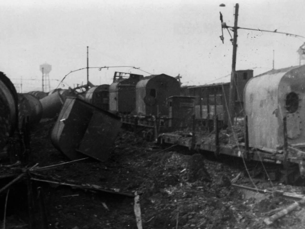 stazione ferroviaria di Reggio Emilia dopo i bombardamenti