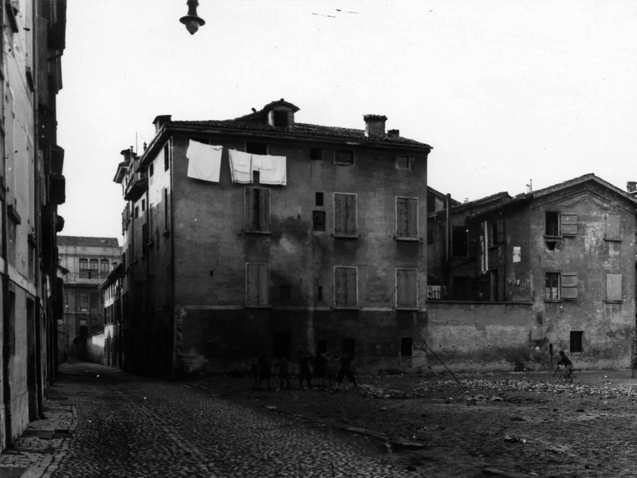 SVENTRAMENTO FRA LE VIE FRANCOTETTO E BELLARIA - REGGIO EMILIA, 1935