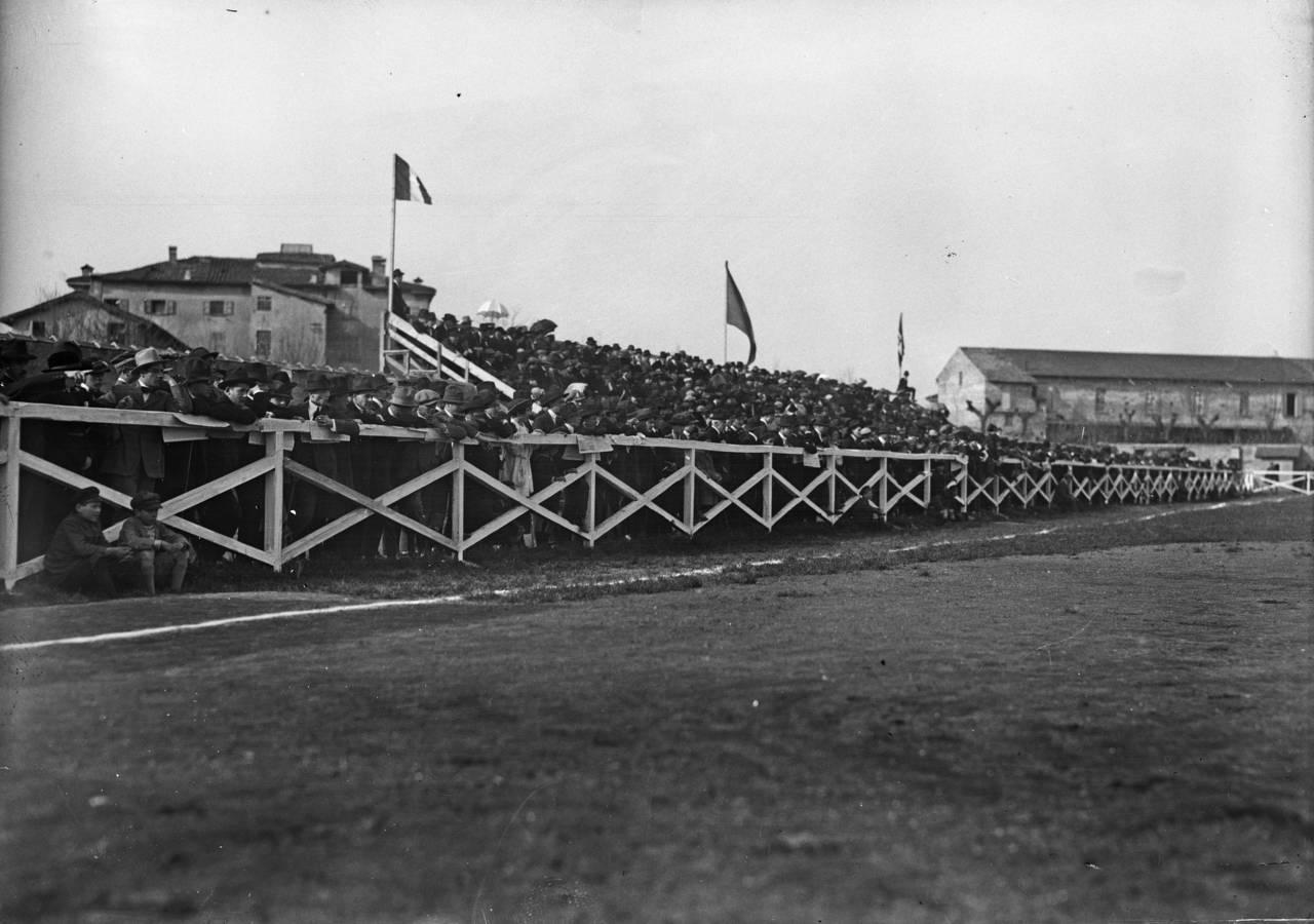 tribuna mirabello 1920