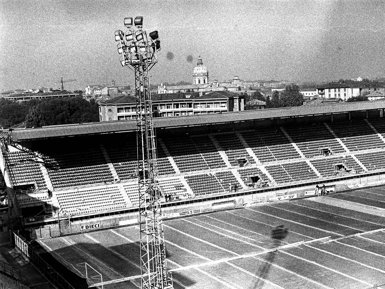 tribuna stadio mirabello