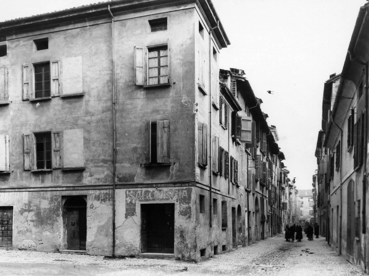 via borgo emilio - quartiere popolare Reggio Emilia